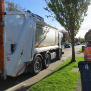 Refuse vehicle collecting waste